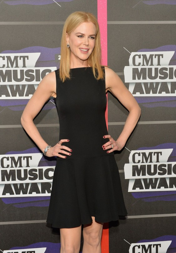 Nicole-Kidman---2013-CMT-Music-Awards-in-Nashville-05