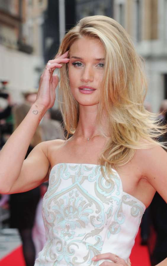 Rosie-Huntington-Whiteley-at-Hummingbird-premiere--04