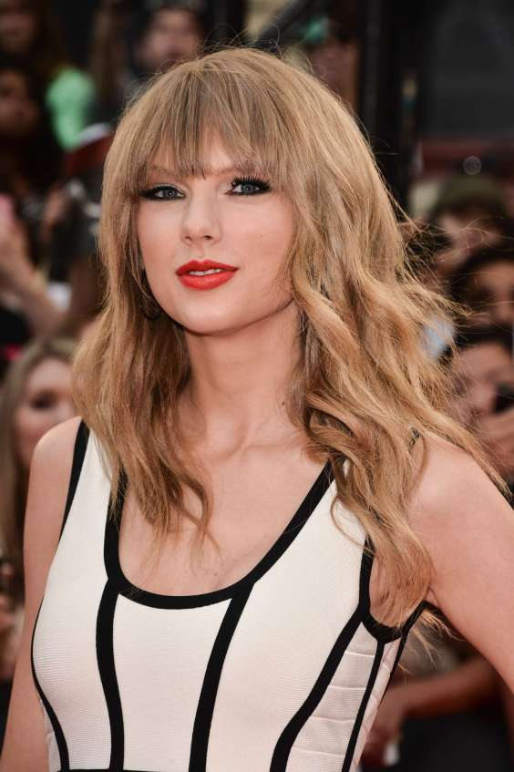 Taylor-Swift---2013-MuchMusic-Video-Awards-in-Toronto--18