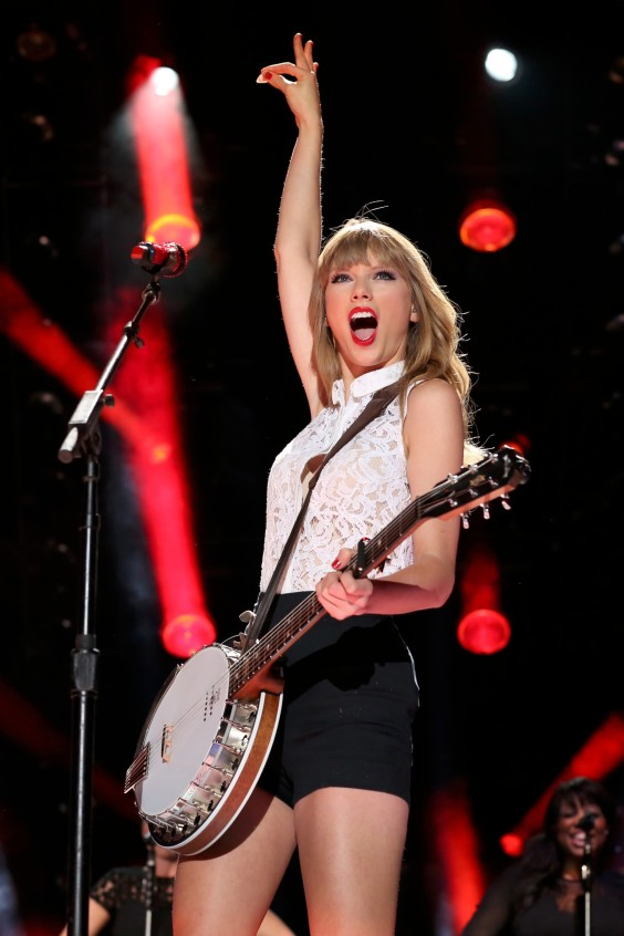 Taylor-Swift-32